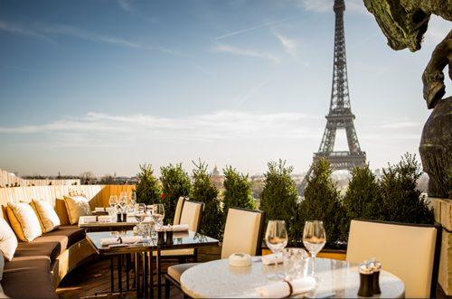 パリ La cafe de l'homme エッフェル塔