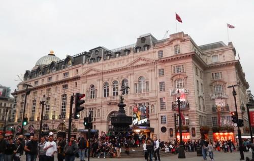 ピカデリーサーカス エロス像 ロンドン