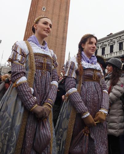 イタリア ヴェネツィア カーニバル 衣装