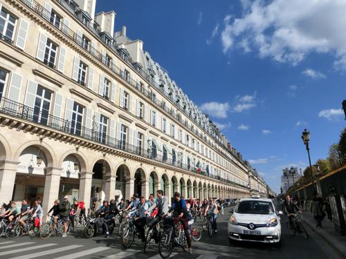 パリ シャンゼリゼ イベント