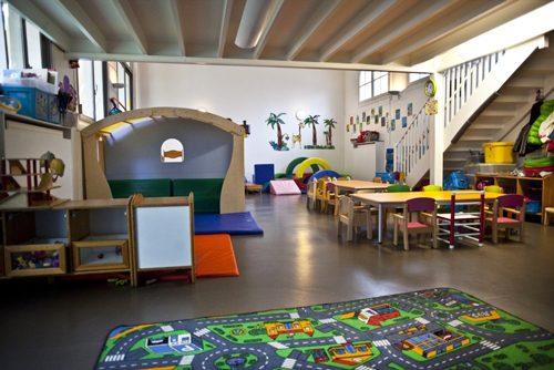 パリ 保育園