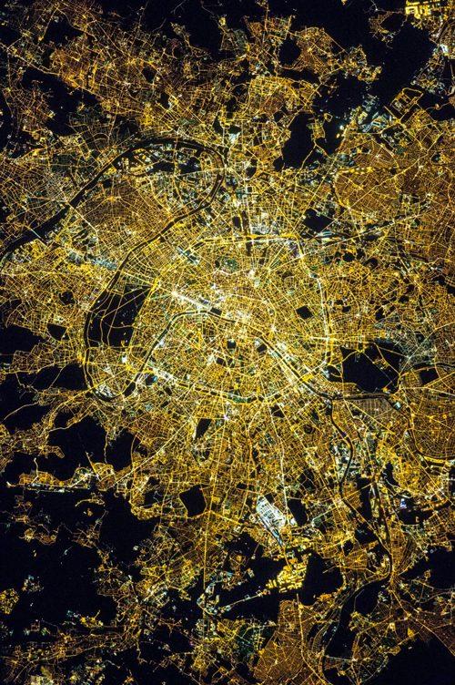 パリ NASA